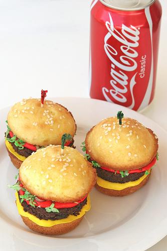 Cute-food-burger-cupcakes